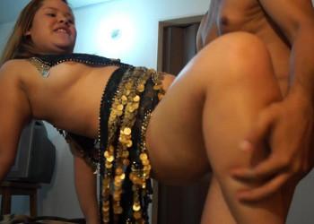 Imagen Brasileña gordita folla en casa con la webcam conectada