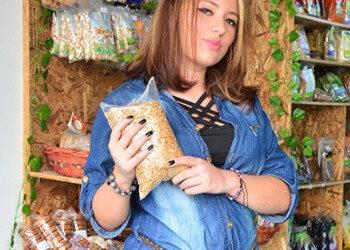 Imagen Colombiana culona deja su puesto en la tienda para follar duro