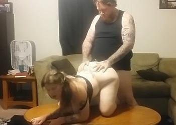 Imagen Esposa gordita recibe a su marido con ganas de sexo