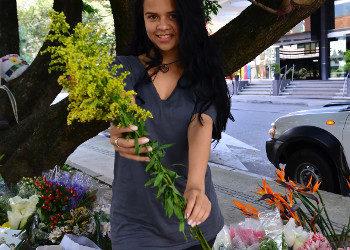 Imagen Florista colombiana se gana un dinero gracias al sexo