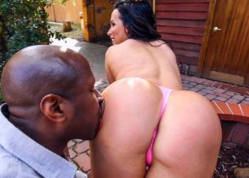 Imagen Nikki Benz se presenta a su vecino y disfruta de su pollón